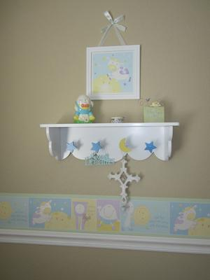 Nursery rhyme border and shelf