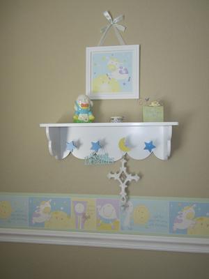 Nursery rhyme border and shelf